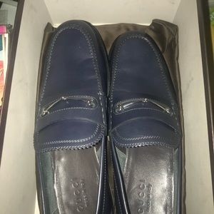 Gucci loafers new in box with dust bag an all